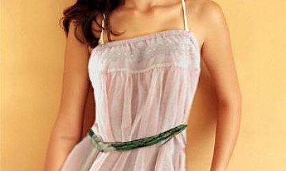 用photoshop给比基尼美女穿上吊带裙-ps换衣服教程高清图片